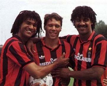 Ruud Gullit and his teammates in Milan